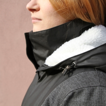 wmns urban jacket hood detail